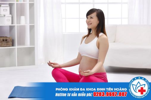 Tuyệt chiêu đối phó với triệu chứng thai nghén là tập ngồi thiền