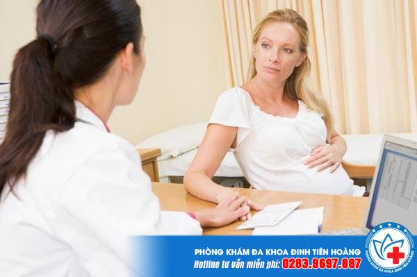 Bị ra khí hư màu hồng khi mang thai có nguy hiểm không?