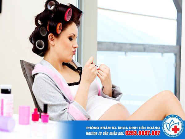 chị em mang thai 3 tháng đầu nên kiêng làm gì?