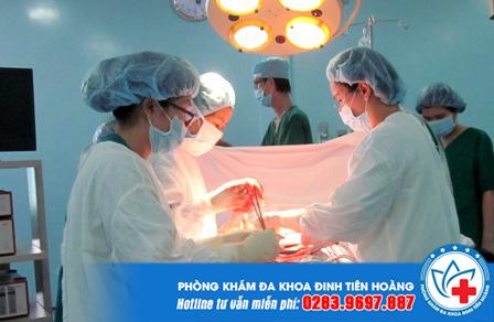 Đối với khối thai lớn hoặc đã vỡ thì cần phá thai bằng ngoại khoa