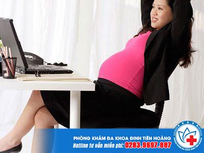 Mang thai bà bầu có ngồi xổm được không?