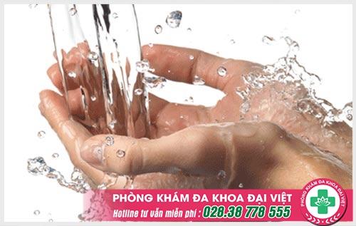 Tiết lộ cách chữa nổi mụn nước không ngứa ở tay